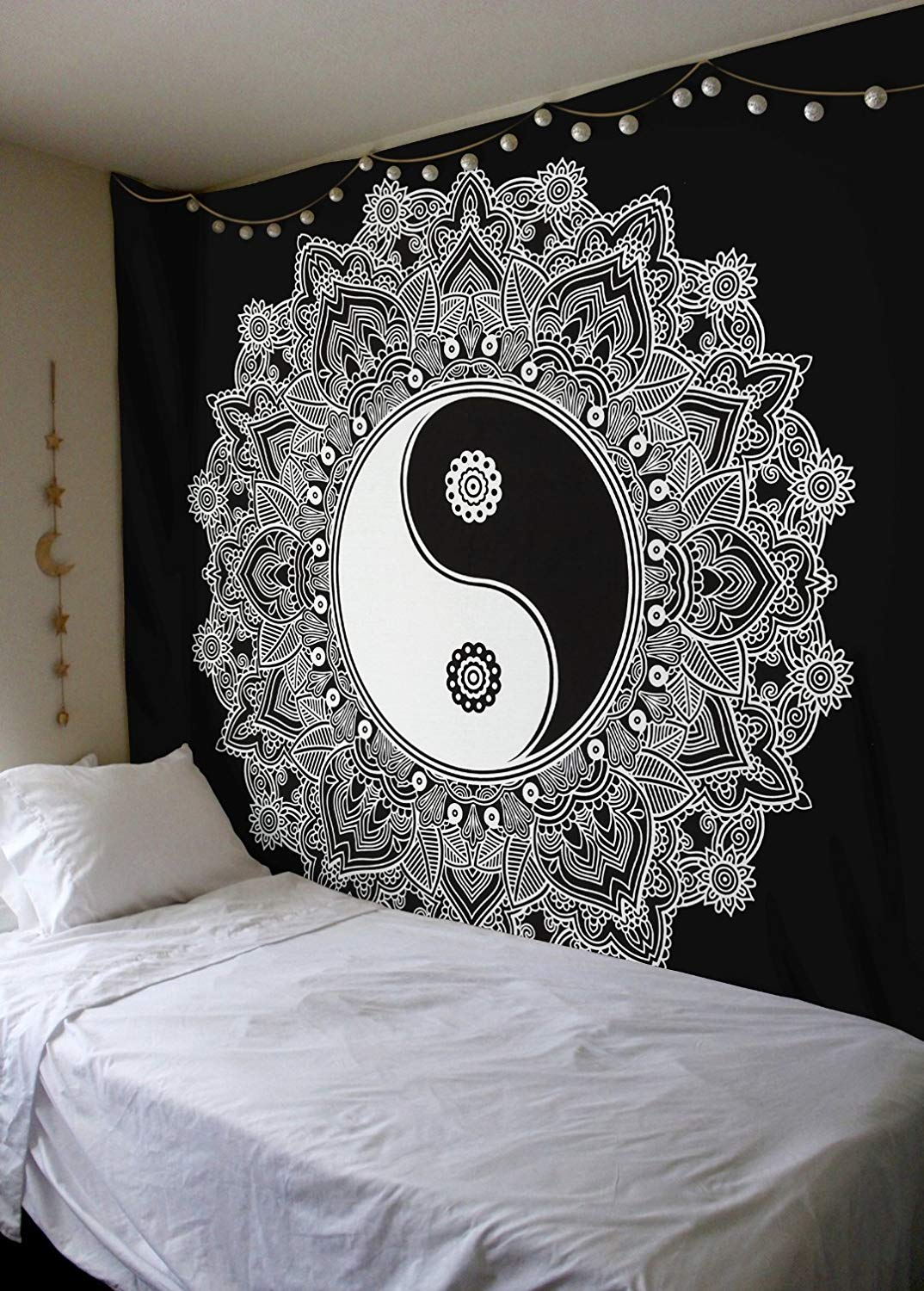 Heyrumbh Handicrafts Yin & Yang Tapestry Wall Hanging Tapestry(Black and White, 84 X 90 Inches)
